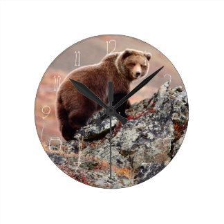 Denali bruntbjörn rund klocka