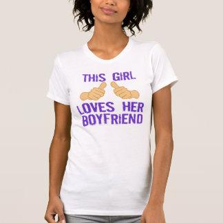 Denna flicka älskar henne pojkvännen t shirt