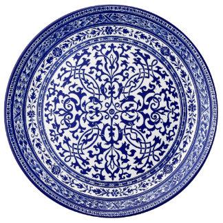 Design för 16th århundrade för blått och för vit porslinstallrik