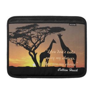 Design för natur för giraff för kärlekColleen Houc MacBook Sleeve