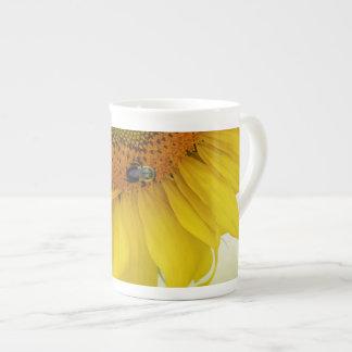 Design två för kopp för solrosbenporslinkaffe tekopp
