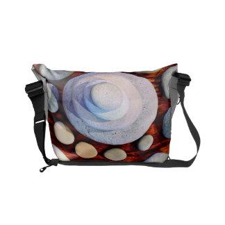 Designad messenger bag för flodsten