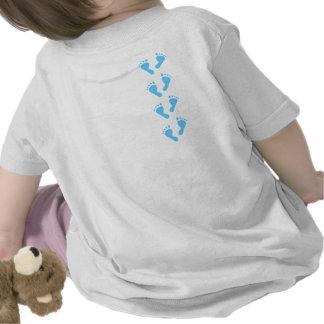 Det är en pojke - baby med hjärtfelfot t-shirts