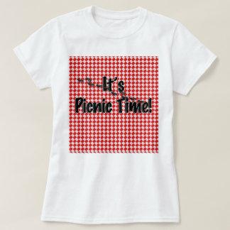 Det är picknicken Time! Röd rutig bordtrasa w/Ants T-shirts