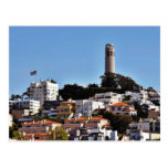 Det Coit torn telegraferar på backen i den San Vykort