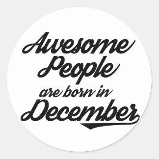 Det enorma folket är bördiga December Runt Klistermärke