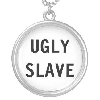 Det fula halsbandet slavar halsband med rund hängsmycke