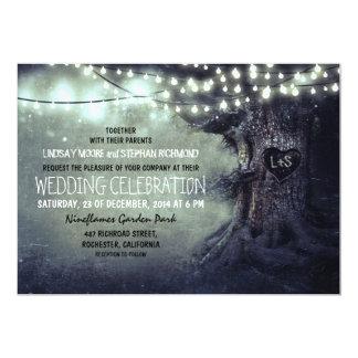 det gammala sned trädglimt tänder lantligt bröllop inbjudningar