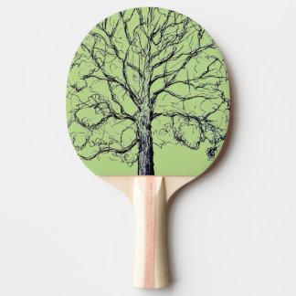 Det grönt skissade träd paddlar pingisracket