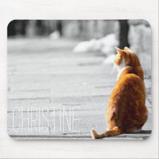 Det gulliga orange namn för kattfotoanpassningsbar musmatta