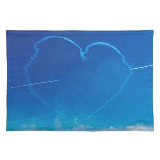 Det hjärtformade flygplan skuggar bordstablett