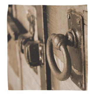 Det lantliga antika handtag för dörrhandtag och bandana