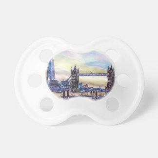 Det London torn överbryggar med skärvan på Napp