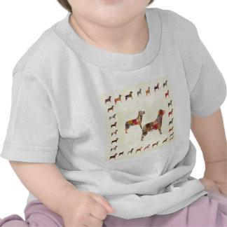 Det målade HUNDgåvahusdjuret LURAR T Shirts