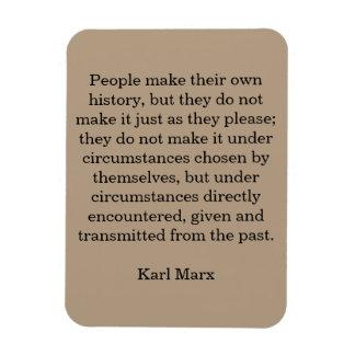 """Det Marx citationstecknet """"folk gör deras egna Magnet"""