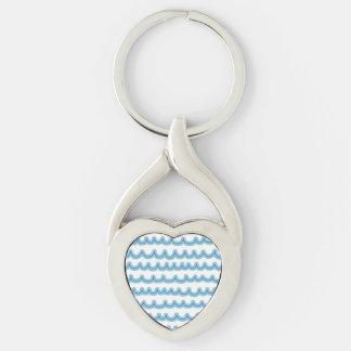 Det nyckfulla hav vinkar twisted heart silverfärgad nyckelring