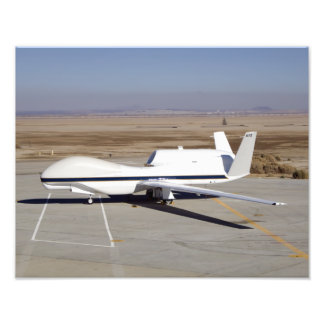 Det obemannade flygplanet för global hök fototryck