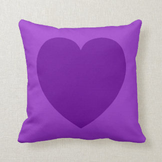 Det purpurfärgade hjärtasymbolet kudder kudde