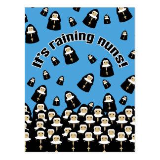 Det regnar nunnor vykort