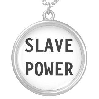 Det slav- halsbandet driver hängsmycke