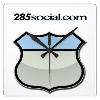 Det Time köp några sväller det 285Social.com bylte Fyrkantig Klocka