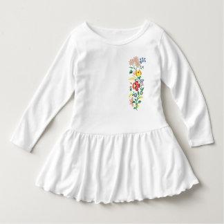 Det traditionella blommabroderismåbarn rufsar tshirts