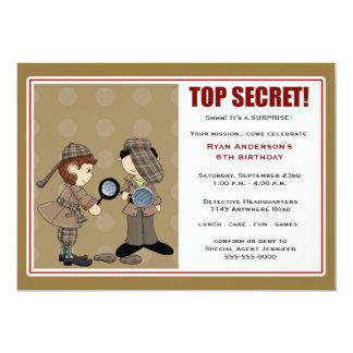 Detektiv- överrrakningpartyinbjudan 12,7 x 17,8 cm inbjudningskort