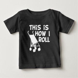 Detta är hur jag rullar den roliga bebisskjortan tee
