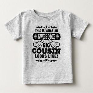 Detta är vilka enorma stora Looks för en kusin T Shirt