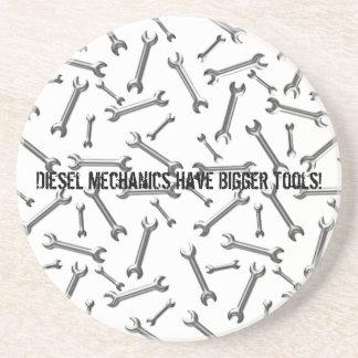 Diesel- mekaniker har större verktyg underlägg