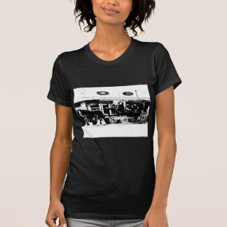 Diligens och hästar i svartvitt tee shirt