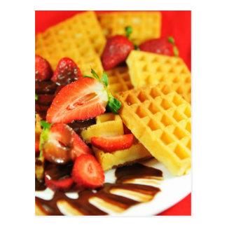 Dillande och jordgubbar för choklad belgisk vykort