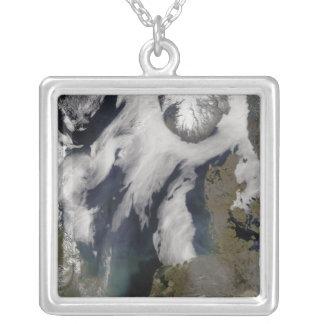 Dimma i norrhavet silverpläterat halsband