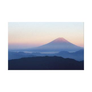 Dimmig morgon Mount Fuji Canvastryck