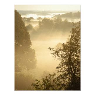 Dimmigt lantligt landskap fototryck