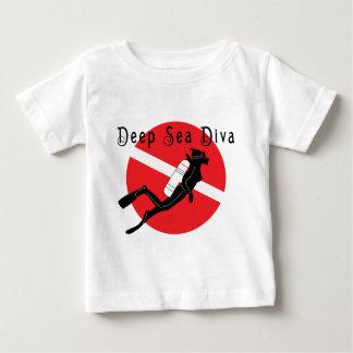 Divababy för djupt hav t-shirts
