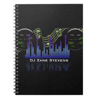 Dj-högtalare, musik bemannar, noterar den solida anteckningsbok med spiral
