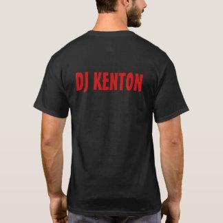 DJ som Kentons Riddim rotar, radiosände manar Tee