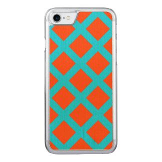 Djärv orange- och turkosblått kvadrerar mönster carved iPhone 7 skal
