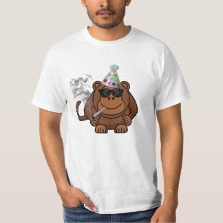 Djur apa för party som röker den roliga t skjortan tee shirt