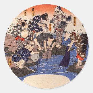 Djur som färgar tyger av Utagawa Kuniyoshi Runt Klistermärke