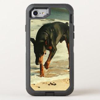 Dobermanen på strandmålningen avbildar OtterBox defender iPhone 7 skal