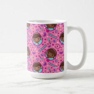 Doc McStuffins | att bry sig jag rosamönster Kaffemugg