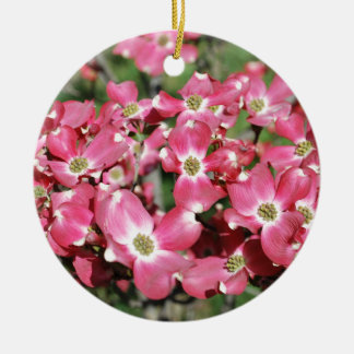 Dogwoodträd i blom julgransprydnad keramik