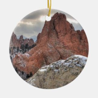 Dolda monoliter 01 för snö julgransprydnad keramik