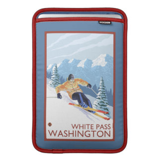 Downhhill snöSkier - vit passerar, Washington MacBook Sleeve