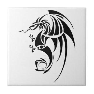 Dragissous V1 - svart drake Kakelplatta