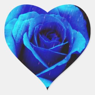 Dramatisk blåttro hjärtformat klistermärke