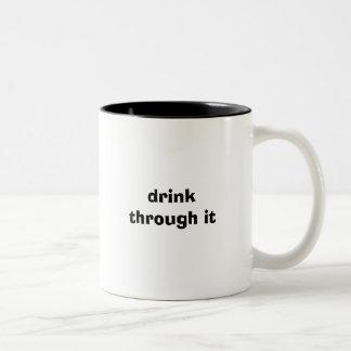drink till och med den Två-Tonad mugg