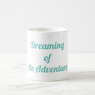 Drömma av ett äventyr kaffemugg